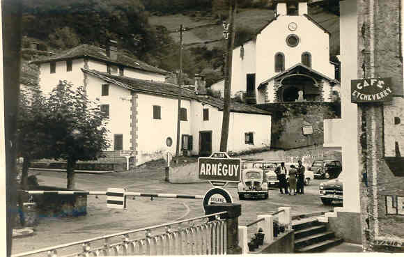 arneguy_place_et_poste_frontiere.jpg