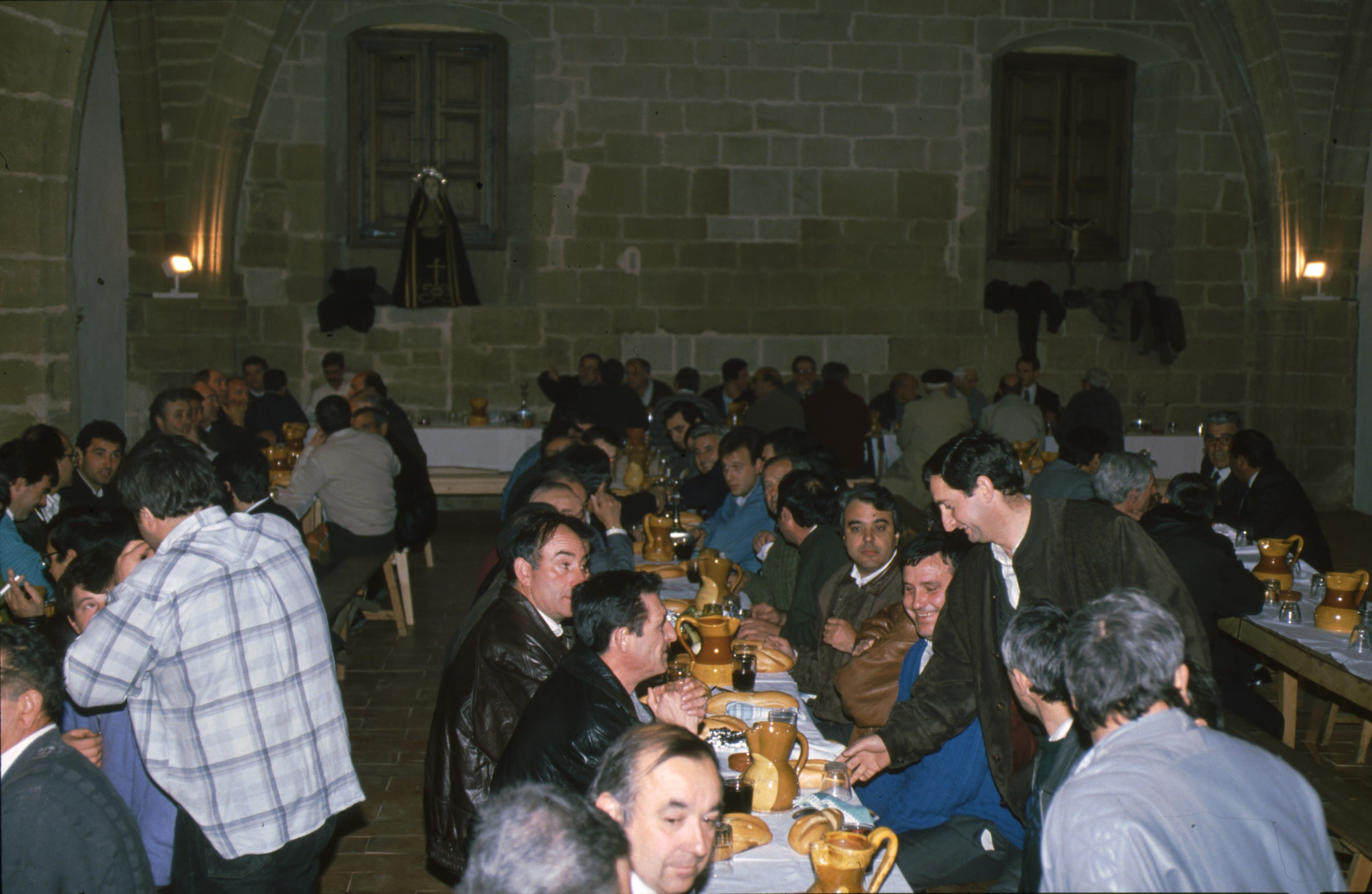 cena_jueves_santo_cofradia_soledad_viana_8.jpg