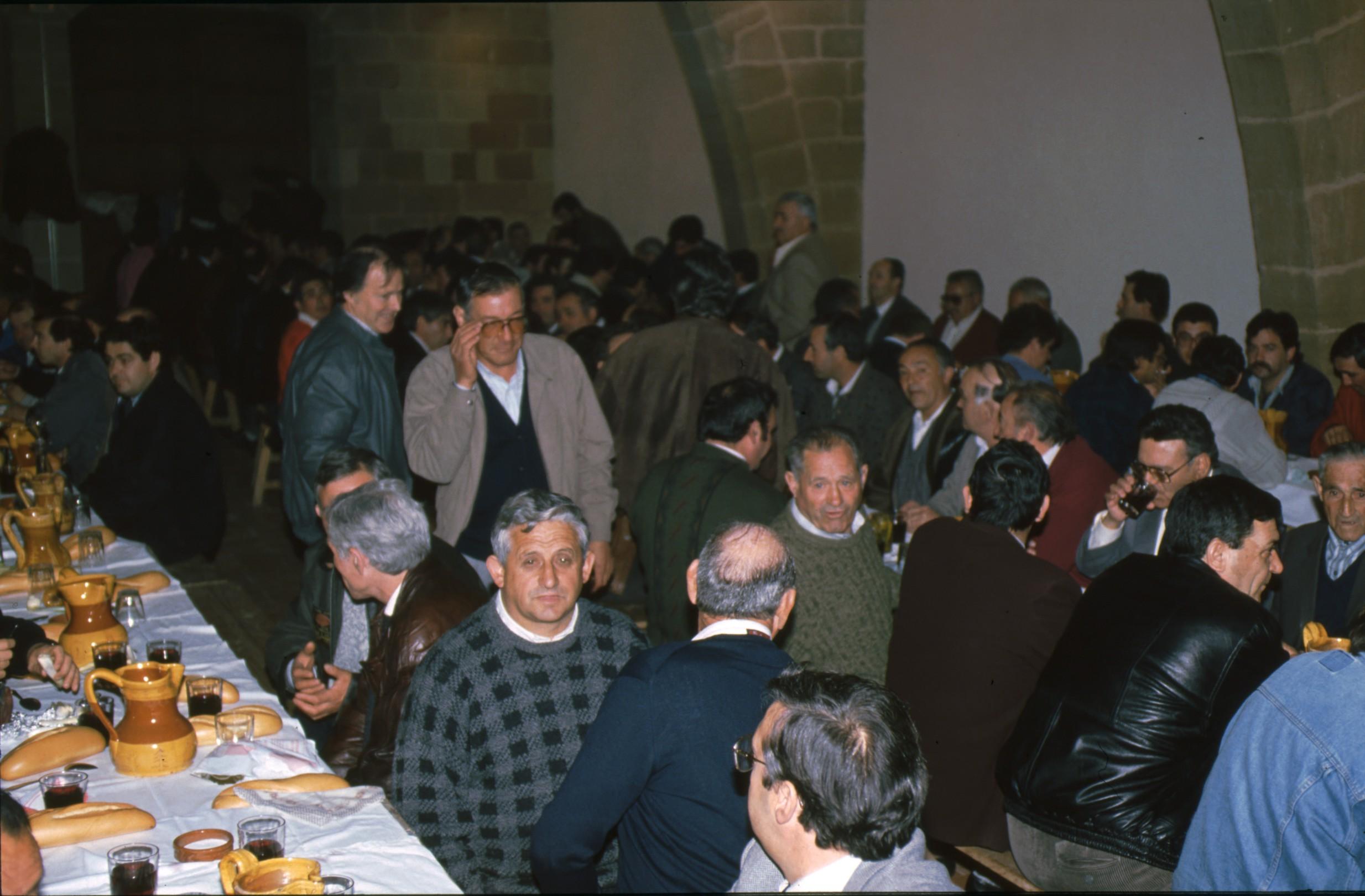 cena_jueves_santo_cofradia_soledad_viana_13.jpg
